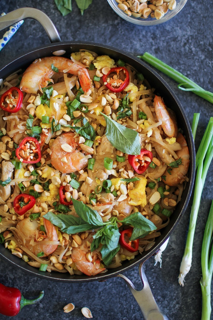 Easy 30 Minute Chicken Pad Thai