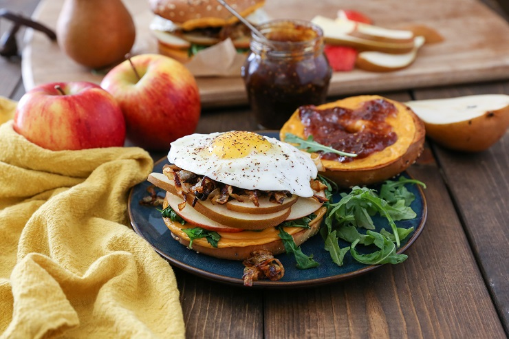 Pear Apple Cheddar Caramelized Onion Grilled Cheese Bagel Sandwiches | TheRoastedRoot.net #vegetarian #healthy #recipe