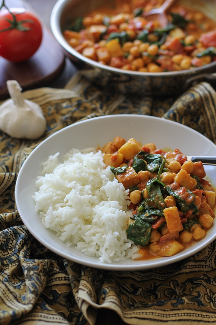 Quick and easy chana saag the roasted root easy 30 minute chana saag a classic vegetarian indian dish therostedroot forumfinder Images