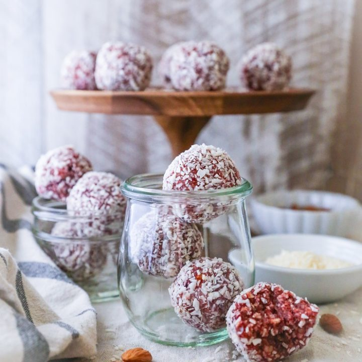 Superfood Cranberry Bliss Protein Balls | TheRoastedRoot.net #healthy #vegan #dessert #recipe #energybites #paleo