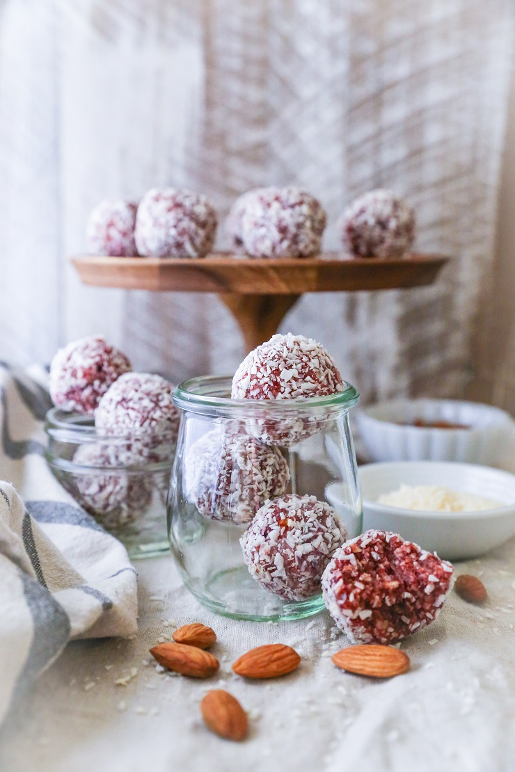 Superfood Cranberry Bliss Protein Balls | TheRoastedRoot.net #healthy #vegan #dessert #recipe #energybites #paleo