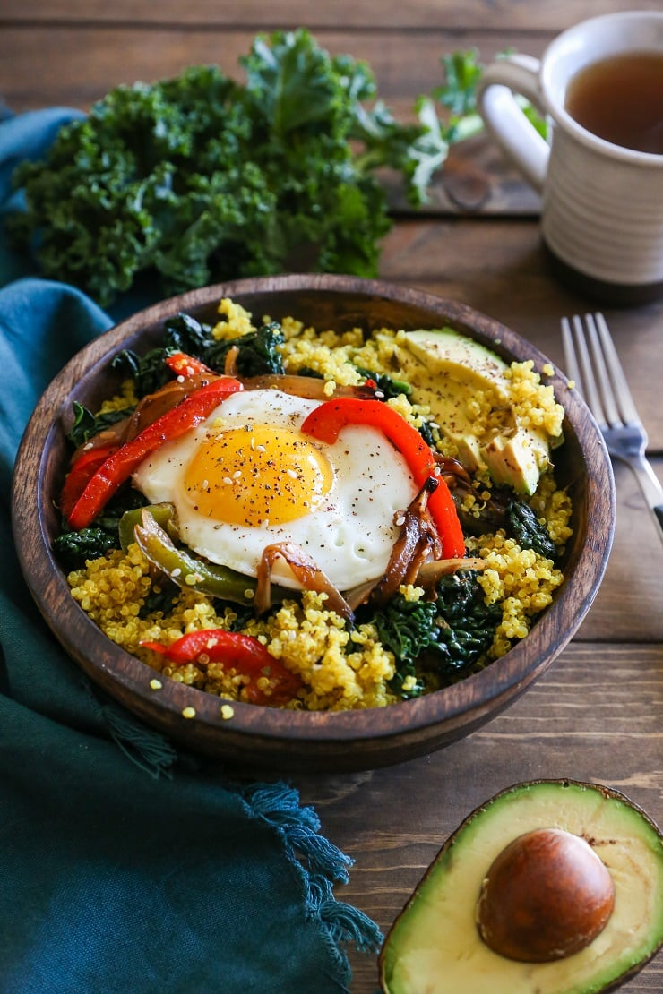 quinoa breakfast bowl turmeric quinoa breakfast bowls with peppers and kale 30463