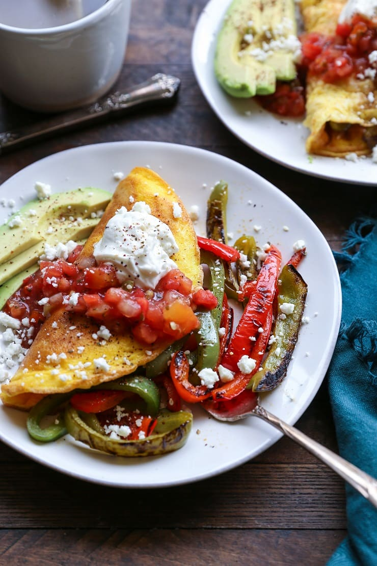 Fajita Omelettes are a nutritious way to start the day. This healthy breakfast recipe only requires a few ingredients and not much time to prepare!