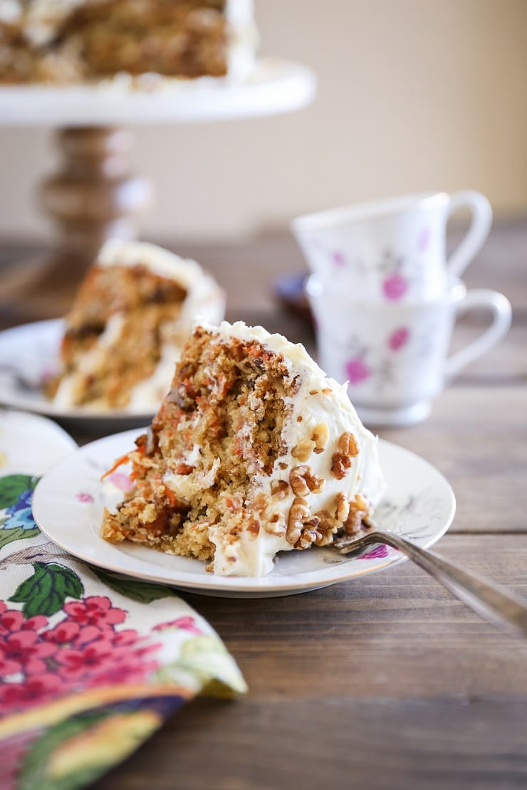 """Paleo Carrot Cake with Vegan """"Cream Cheese"""" Frosting"""