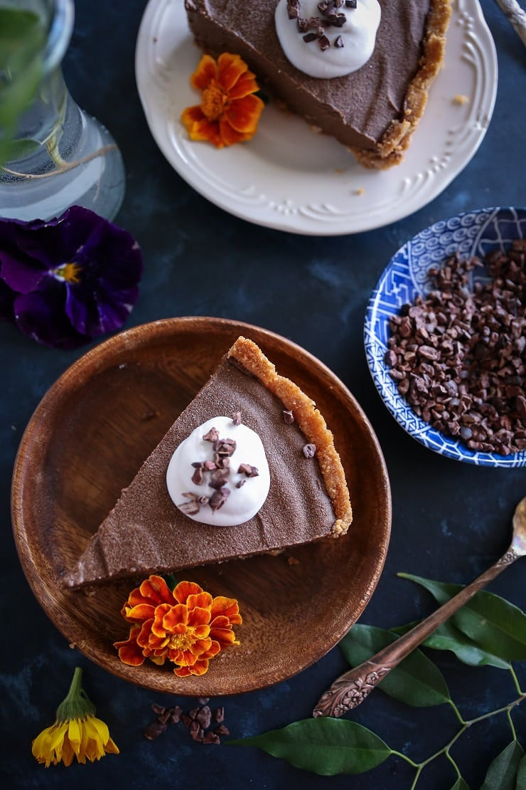 Avocado Chocolate Silk Pie - rich, creamy, naturally sweetened, paleo, vegan, and healthy!