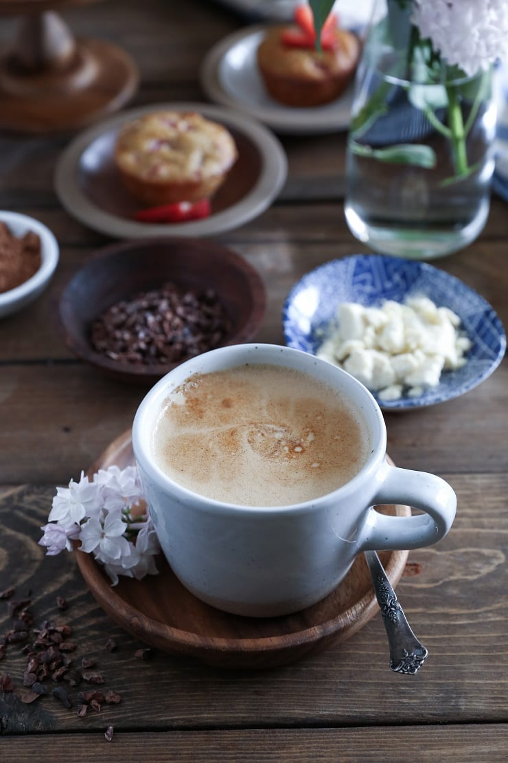 How to Make Bulletproof Coffee 6 different ways + all the information you need on fats, adaptogens, and flavors