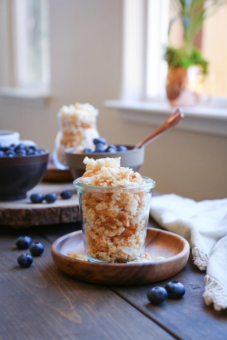 Coconut Lovers Paleo Granola (also vegan!) - a gluten-free, grain-free, sugar-free, vegan and healthy granola recipe geared toward the coconut obsessed!