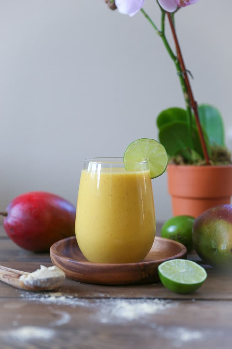 Immunity Boosting Tropical Smoothie - packed with vitamins, antioxidants, and protein for a healthful breakfast! #vegan #paleo