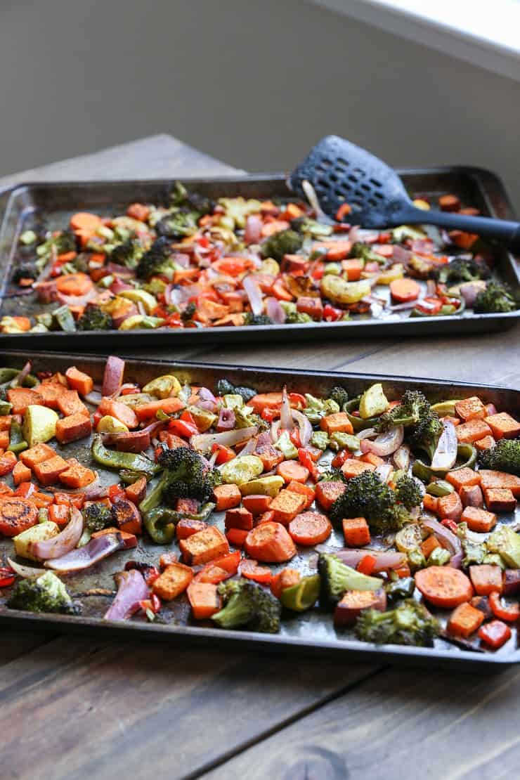 Crowd-Pleasing Roasted Vegetables - a basic recipe with lots of room for adaptations! This vegan and vegetarian side dish is perfect for serving guests!