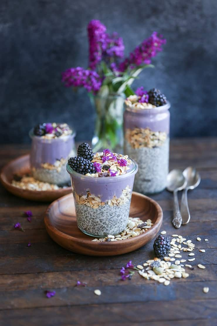 Blackberry Smoothie Chia Seed Pudding Parfaits - a healthful breakfast packed with vitamins, antioxidants, and nutrients. Perfect for breakfast or snack on-the-go! #vegan #healthy #breakfast #recipe