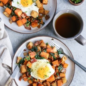 Maple Bacon Butternut Squash Hash with Spinach - a nutritious, hearty breakfast perfect for fueling your day! #paleo #glutenfree
