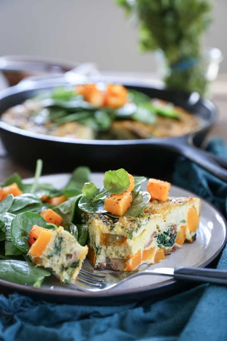 Butternut Squash Mushroom Bacon Frittata with spinach and oregano - a healthy paleo and whole30 breakfast recipe