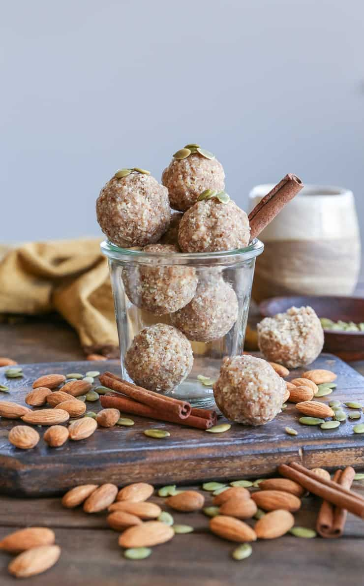 Vanilla Chai Fat Balls - clean energy bites made with nuts, seeds, coconut butter, and pure maple syrup #keto #paleo #healthy