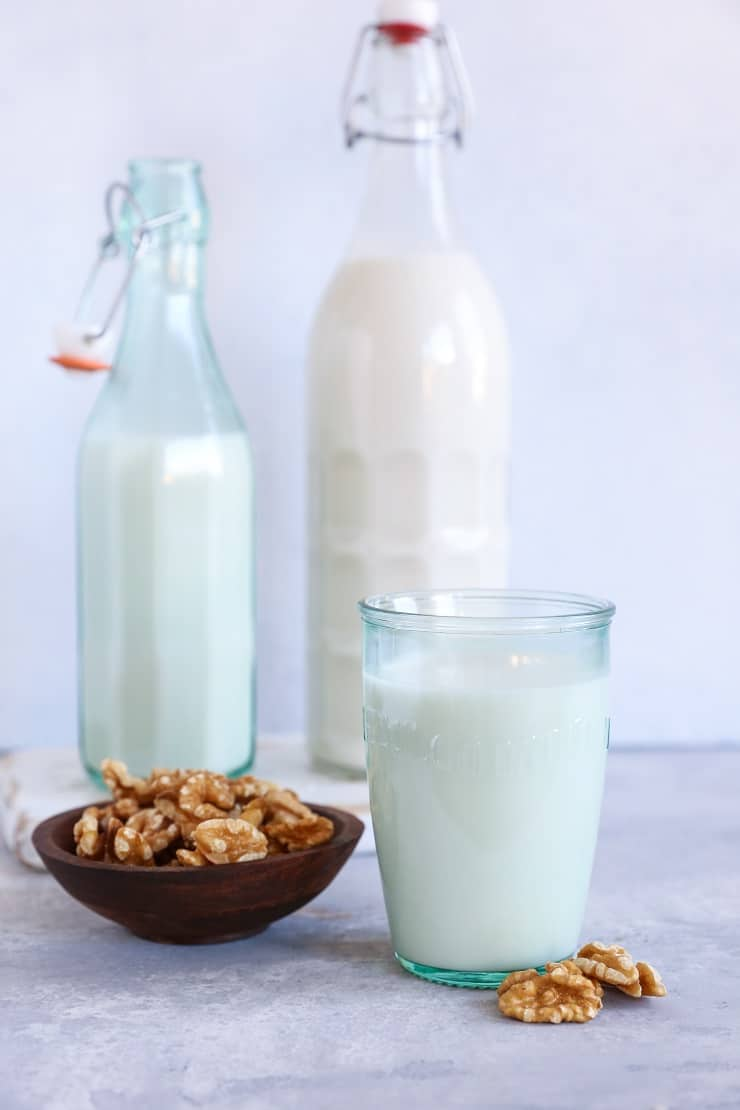 How to Make Walnut Milk (or almond milk, cashew milk, etc). An easy tutorial with photos