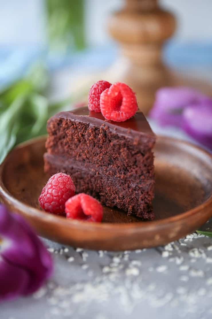 Paleo Chocolate Cake with Chocolate Ganache Frosting - a healthier version of classic chocolate cake, made with almond flour and pure maple syrup