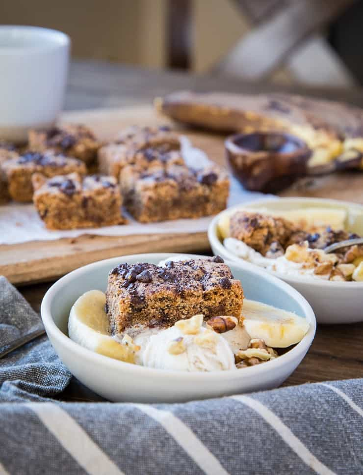 Chocolate Chip Paleo Blondies - grain-free, dairy-free, refined sugar-free blondies made with almond flour and coconut sugar. These delicious bars are vegan and healthier!