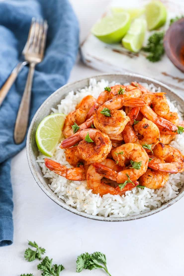 Easy Cajun Shrimp - a quick and easy shrimp recipe that only requires a few ingredients and hardly any time to prepare for a delicious weeknight dinner.