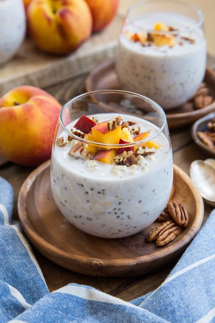 Peaches and Cream Overnight Oats - a healthy vegan and gluten free breakfast recipe that only requires a couple of minutes to prepare