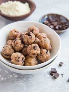 Keto Edible Cookie Dough - sugar-free, low-carb, grain-free, egg-free ready to eat cookie dough bites that require just 5 minutes and a few ingredients!