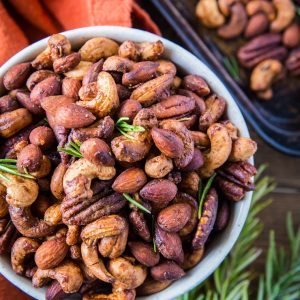 Maple Rosemary Roasted Nuts - refined sugar-free, vegan, paleo, and healthy! | TheRoastedRoot.net