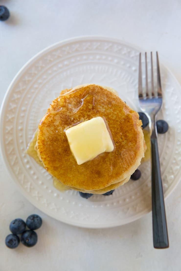 Paleo Vegan Pancakes - grain-free, dairy-free, egg-free pancakes made with almond flour | TheRoastedRoot.net