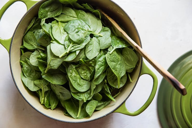 How to make dairy-free creamed spinach