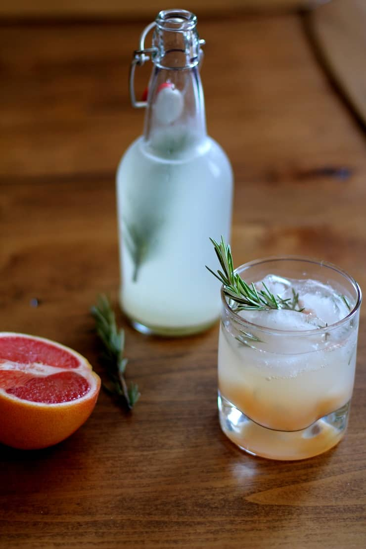 Naturally Fermented Probiotic Grapefruit Rosemary Ginger Beer