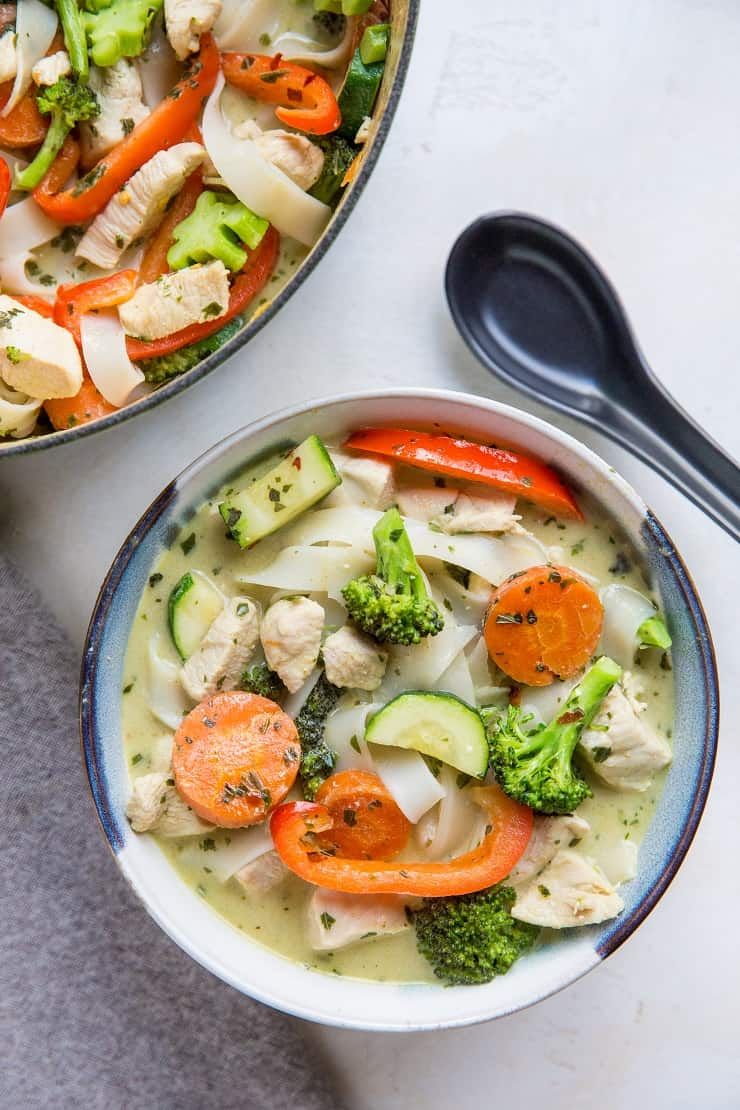 Easy Green Curry Noodle Soup with Chicken and Vegetables - a clean, filling, and delicious dinner recipe! Gluten-free, nutritious