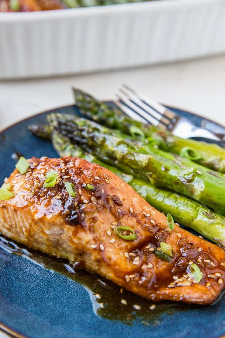 Asian Baked Salmon and Asparagus - crispy delicious healthy salmon recipe with crispy glaze