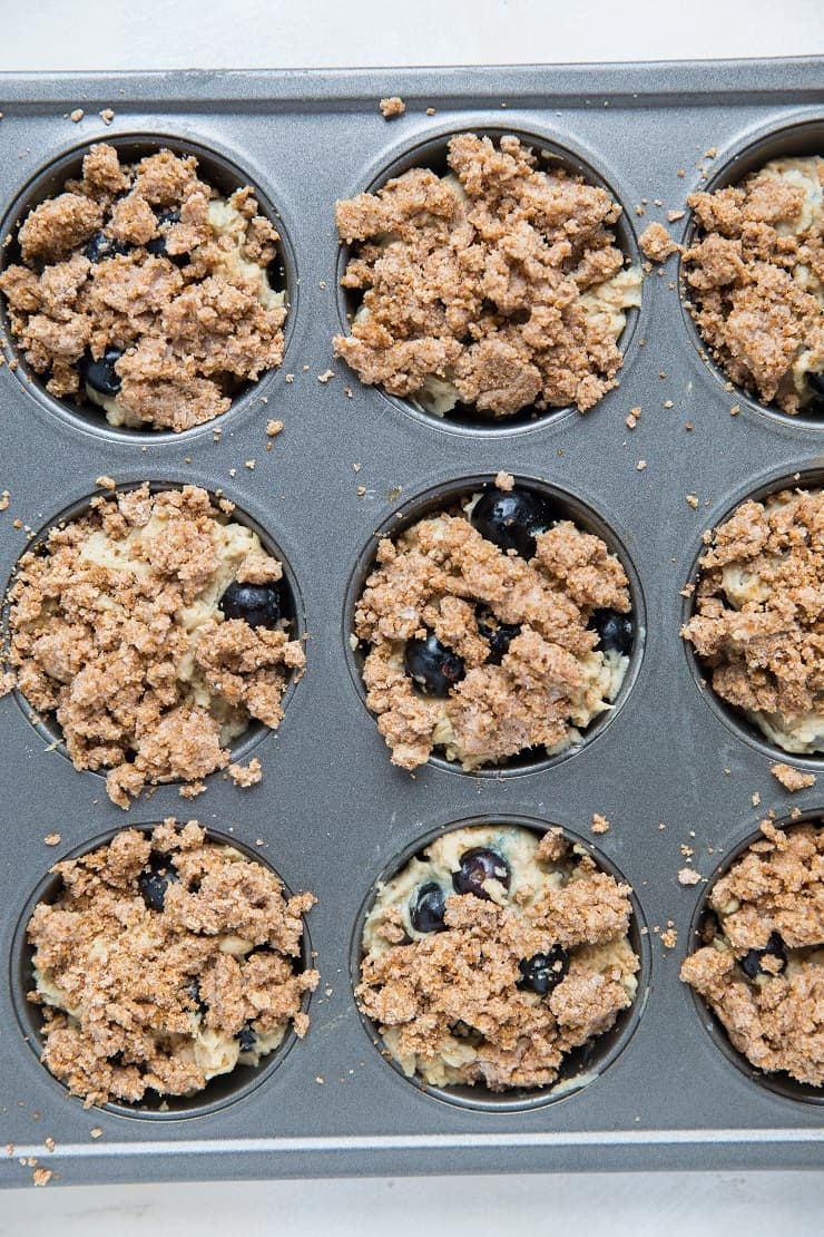 How to bake blueberry sourdough muffins
