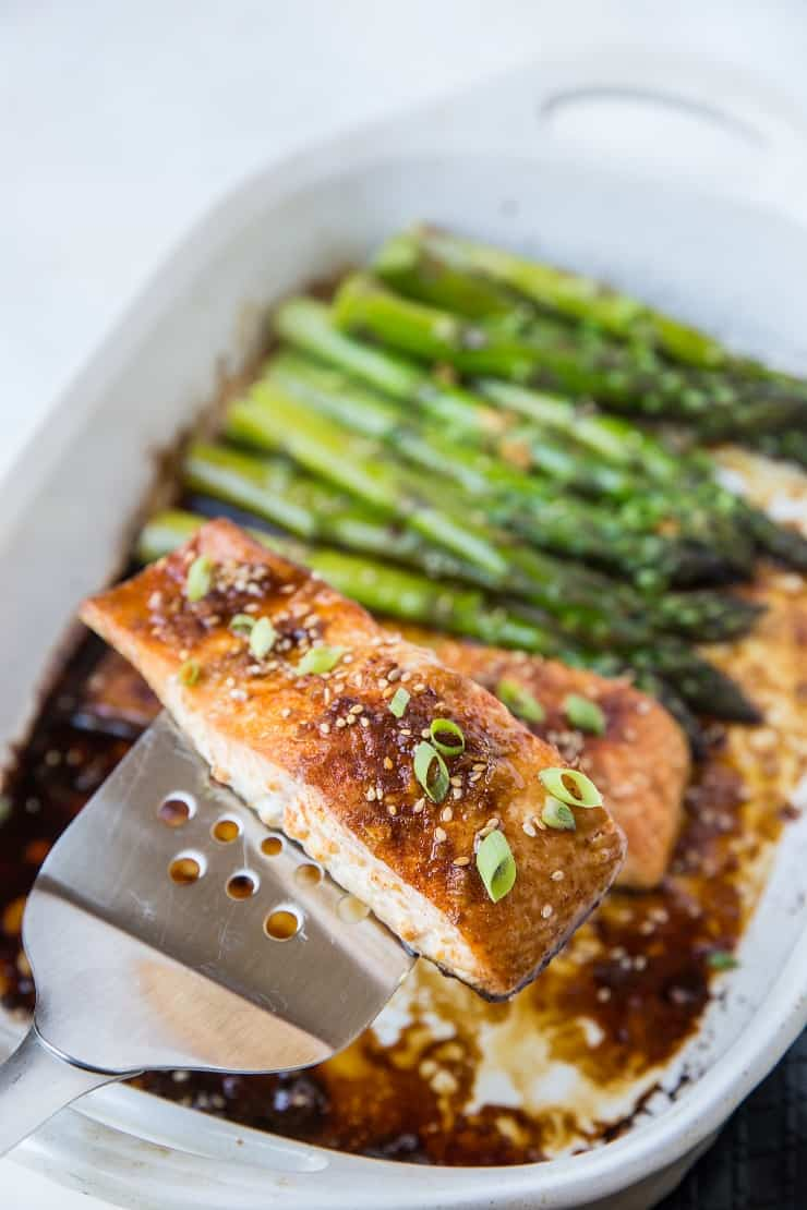 Paleo Asian Baked Salmon - soy-free, refined sugar-free, super flavorful and healthy dinner recipe
