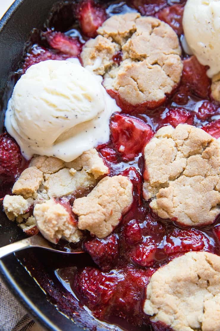 Vegan Strawberry Cobbler - gluten-free, refined sugar-free healthy dessert recipe!