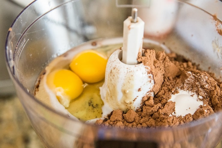 How to make banana brownies in a food processor