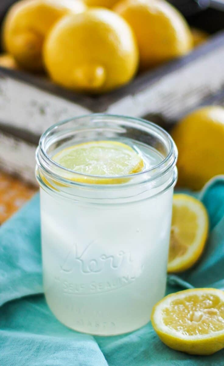 Lacto Fermented Lemonade - a naturally fermented probiotic drink made with whey and homemade lemonade