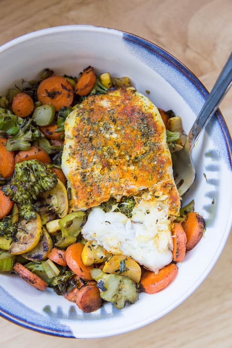 Easy Baked Cod Recipe with turmeric and paprika