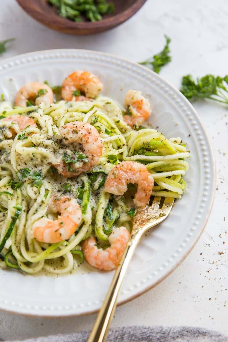 Easy Keto Shrimp Scampi with zucchini noodles - Made in just 20 minutes, this easy dinner recipe is clean, healthy and delicious!