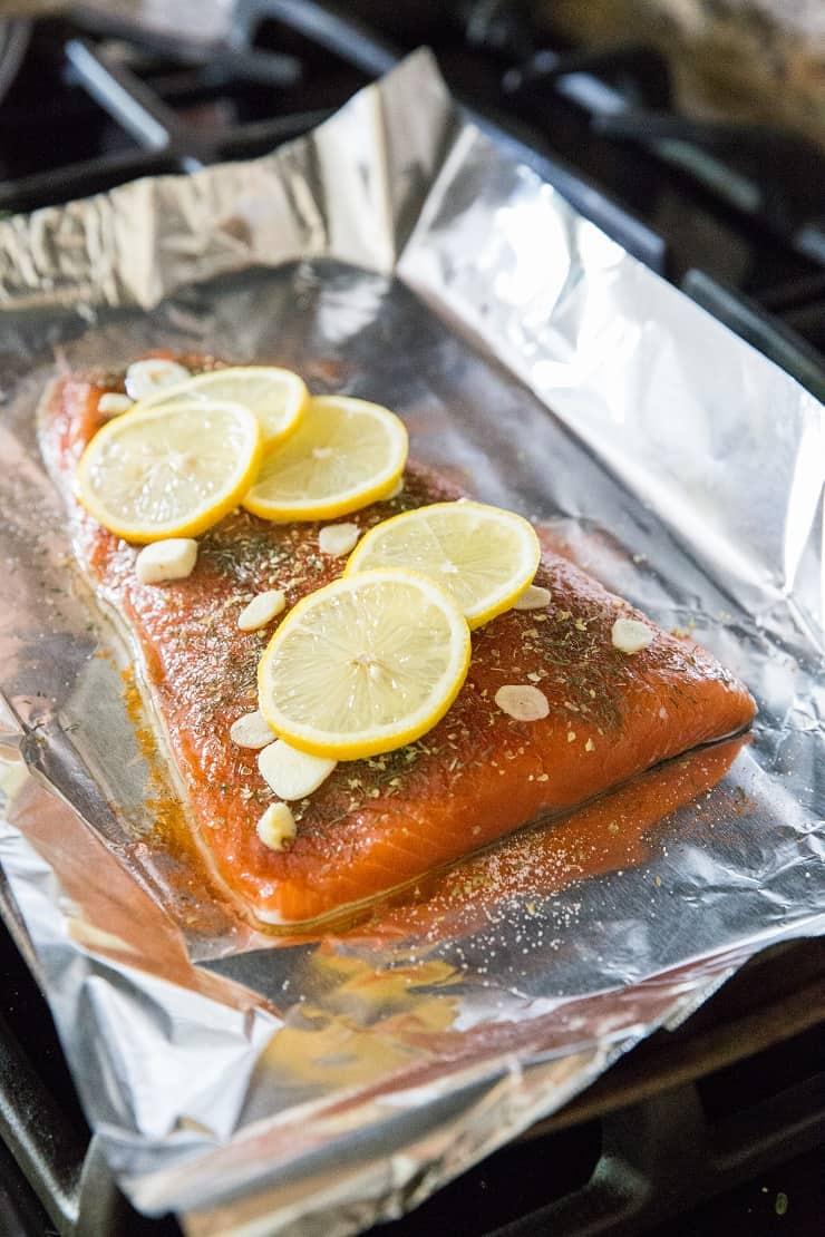 Foil Salmon with garlic and lemon