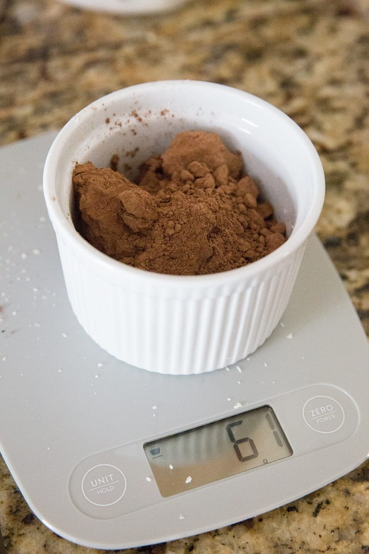 Measuring Cacao powder on a kitchen scale