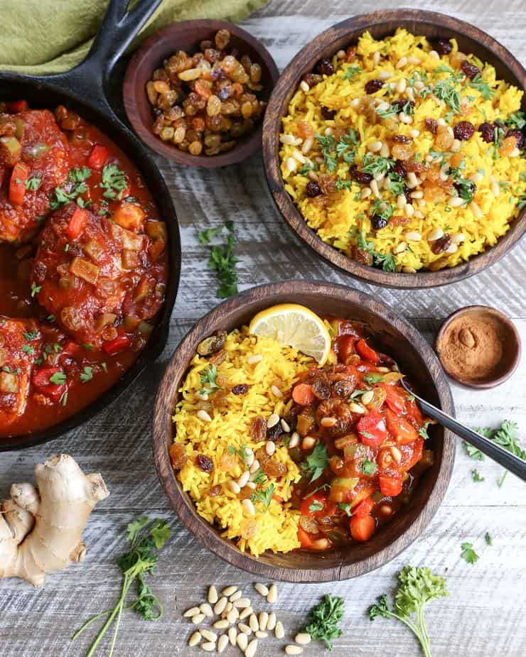 Quick and Easy Moroccan Chicken Stew with Turmeric Rice - an flavorful, amazingly delicious and healthy dinner recipe with authentic Moroccan flair - #paleo #healthy #chickenrecipe
