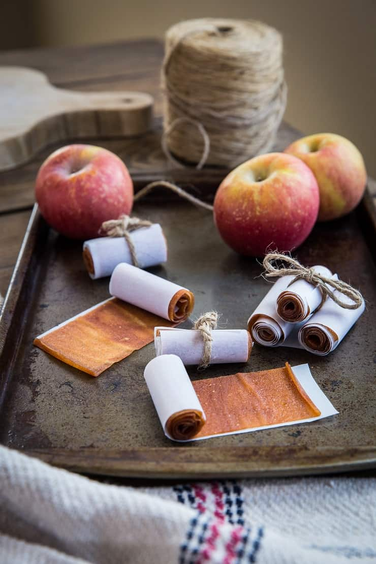 Apple Fruit Leather -make homemade healthy fruit leather using fresh apples! This easy recipe only requires a few ingredients and is a fun project for kids. A healthy snack or treat!