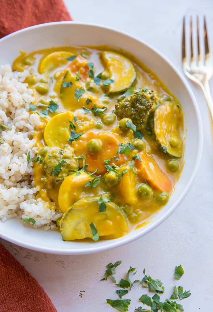 Vegan Pumpkin Curry - silky smooth luscious pumpkin curry with vegetables is an amazing healthy vegan dinner recipe