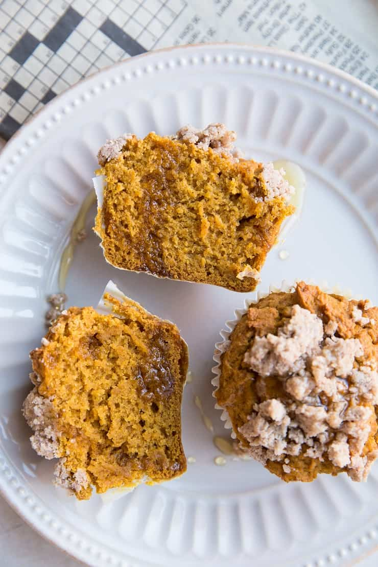 Gluten-Free Pumpkin Muffins with Streussel Topping - healthy pumpkin muffins that are refined sugar-free