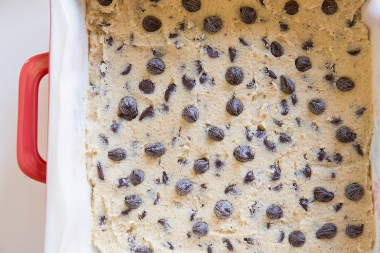 Sprinkle more chocolate chips on top of the cookie bars