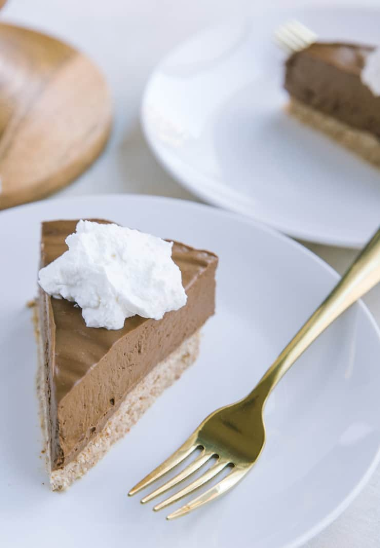 Low-Carb Chocolate Pie - sugar-free, grain-free, dairy-free, healthy French Silk Pie recipe