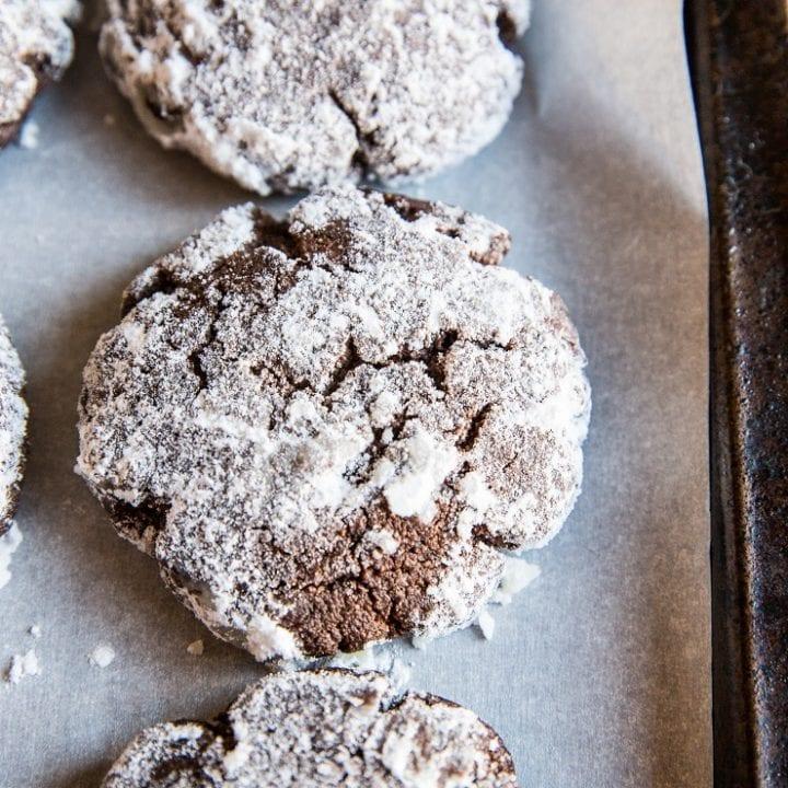 Sugar-Free Chocolate Crinkle Cookies - dairy-free, sugar-free, healthy Christmas cookie recipe