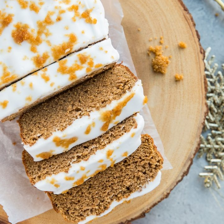 Keto Gingerbread Loaf - low-carb gingerbread made with almond flour, coconut flour and sugar-free sweetener. Dairy-free, sugar-free, warmly-spiced and inviting!