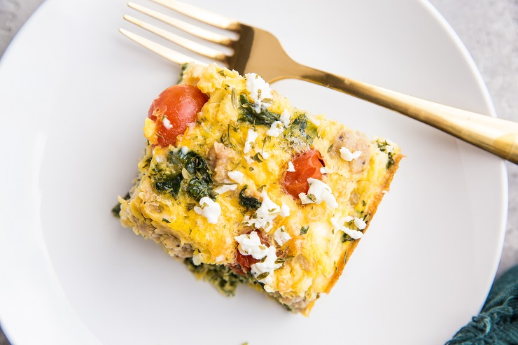Low-Carb Breakfast Casserole with chicken sausage, feta, tomatoes and kale - a nutritious breakfast recipe