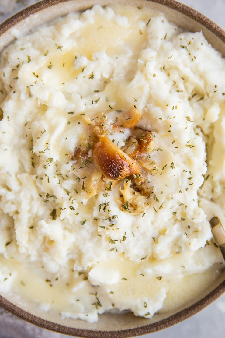 Keto Mashed Cauliflower with roasted garlic - low-carb, easy to make, flavorful and delicious!
