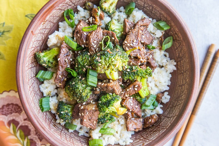 Ginger Sesame Garlic Broccoli Beef Stir Fry - a clean, quick, and nourishing meal that can be made any night of the week