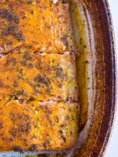 Baked Turmeric Salmon - only a few ingredients are needed to make this superfood dinner recipe happen!